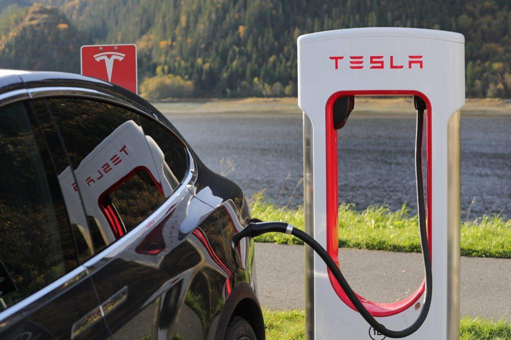 Tesla Motors (c) Pixabay